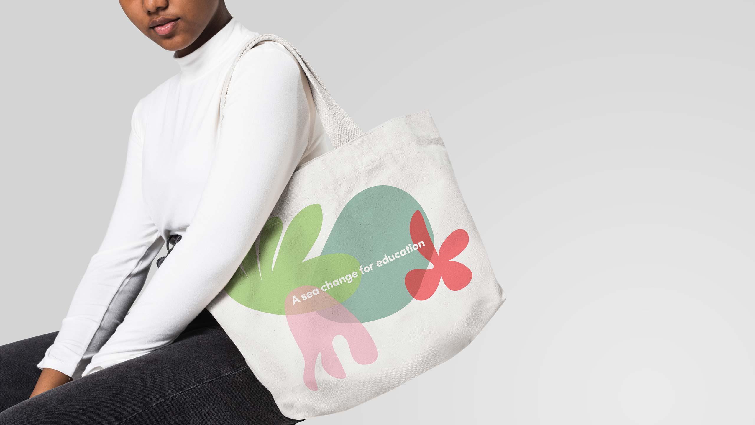 Izzi bag design